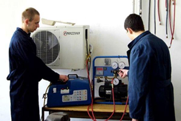 slika-2-tehnicar-grejanja-i-klimatizacije-cetvorogodisnјi50CBCA5C-D4F0-DA47-5F0F-0AA27B410504.jpg
