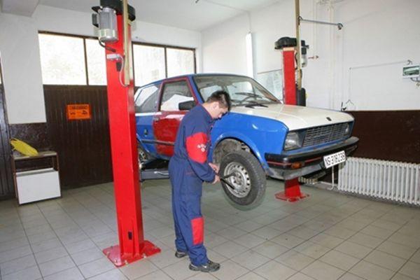 slika-4-masinski-tehnicar-motornih-vozila-cetvorogodisnji15471DF8-BD75-A37B-D5D7-4227399986C9.jpg